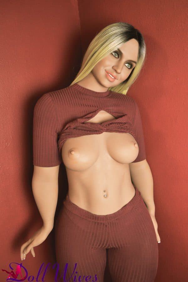 Mia: Big Ass Sex Doll