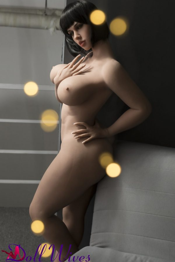 Olivia: Thic Sex Doll